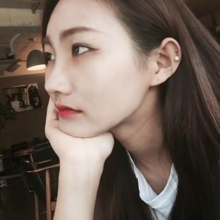 kim-hee-joon-issue-6